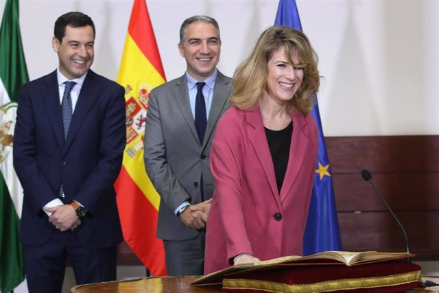 Ana Mestre toma posesión como delegada de la Junta en Cádiz