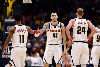 Suns y Nuggets ganan con actuaciones notables de Ricky y Juancho