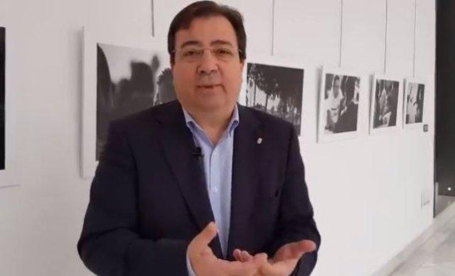 El presidente de la Junta, Guillermo Fernández Vara, en un mensaje del Día de la Constitución