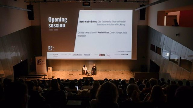Conferència durant el Re-Barcelona Sustainable Fashion Global Event