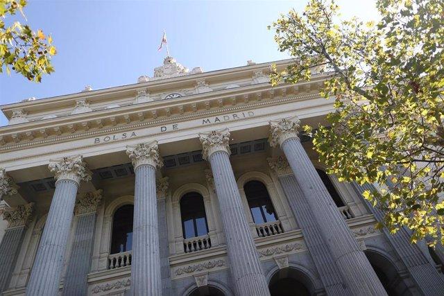 Edificio del Palacio de la Bolsa de Madrid, edificio de 1893, en Madrid, a 11 de octubre de 2019.