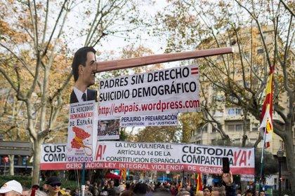 """Entidades, PP y Vox se manifiestan en Barcelona """"por un Gobierno constitucionalista"""""""