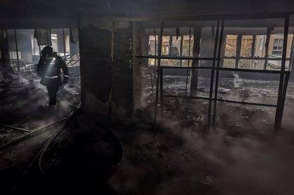 Sofocado un incendio en la antigua cristalería Rodríguez de San Andrés del Rabanedo (León)