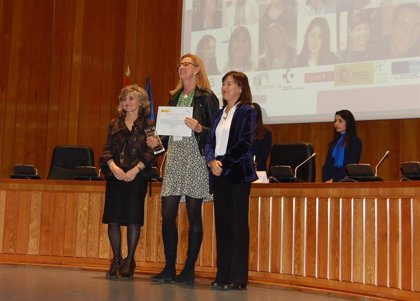 La profesora Idoia Labayen recoge el premio del Ministerio de Sanidad por una investigación sobre menores con sobrepeso