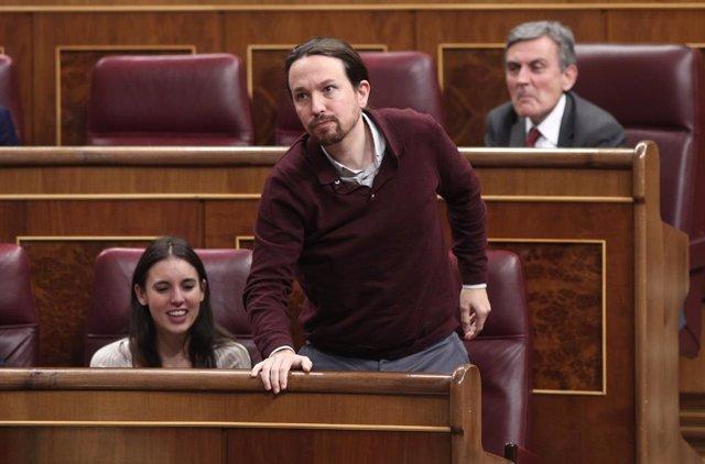 El secretari general d'Unides Podem, Pablo Iglesias, jura acatar la Constitució durant la sessió de constitució de les Corts per a la XIV Legislatura al Congrés dels Diputats, Madrid (Espanya), a 3 de desembre de 2019.