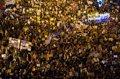 """La Marcha por el Clima recorre Madrid con miles de personas: """"Sin planeta no hay futuro"""""""