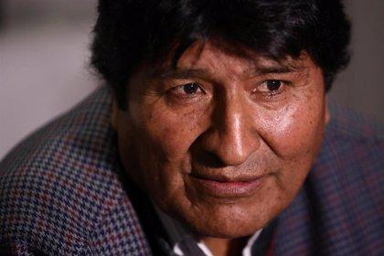 """Morales acusa de """"fraude"""" a la OEA y denuncia que se le """"robó"""" la victoria en primera vuelta en Bolivia"""