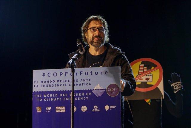 El actor Javier Bardem interviene en la Marcha por el Clima que recorre las calles del centro de Madrid a 6 de diciembre de 2019