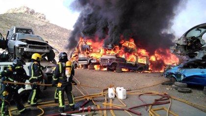 Investigan a 68 personas y 30 empresas por las emisiones de gas refrigerante de vehículos para el desguace