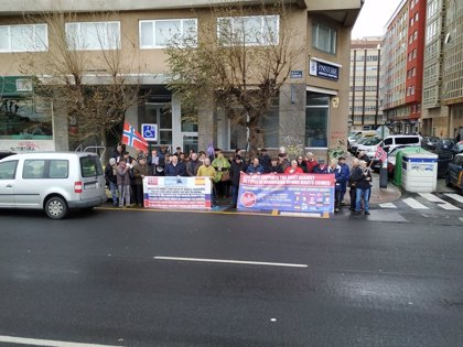 Exmarineros gallegos se concentran en A Coruña ante el consulado noruego para exigir sus pensiones