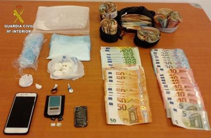 La Guardia Civil detiene a un hombre por un delito de tráfico de drogas en Llanes