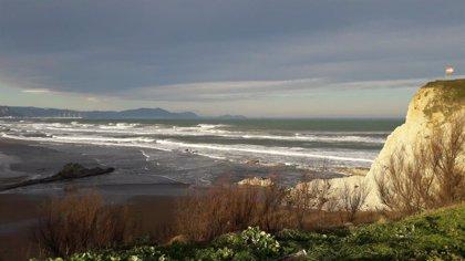 Activada este lunes la alerta naranja por olas de hasta 6 metros