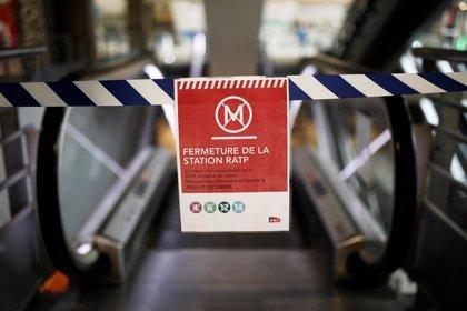 """Piden no utilizar tren ni metro ante un """"lunes negro"""" en la quinta jornada de huelga indefinida en Francia"""