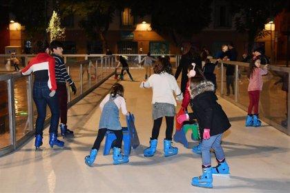Tomares (Sevilla) acoge una pista de patinaje ecológica con 800 metros cuadrados