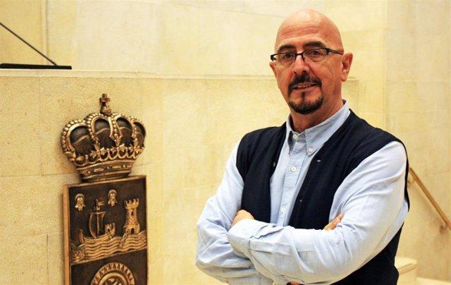 El diputado del PP en el Parlamento de Cantabria, César Pascual