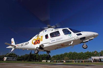Trasladan al Hospital Reina Sofía de Córdoba a cinco heridos tras chocar dos coches en la CO-4311 en Fuente Palmera