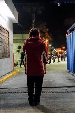 Joven migrante que vive en un contenedor, según asociación Prodein.