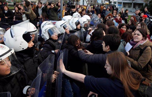 Protesta contra la violencia machista en Estambul