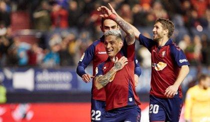 El Sadar frena al Sevilla en el domingo de Joaquín y Óscar para Betis y Leganés