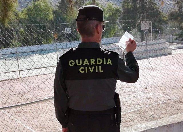 La Guardia Civil Detiene In Fraganti A Un Joven Mientras Vendía Sustancias Estupefacientes