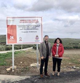 El delegado de Agricultura e Infraestructuras Rurales de la Diputación de Córdoba, Francisco Ángel Sánchez, ha hecho entrega este fin de semana a la alcaldesa de Benamejí, Carmen Lera, de las obras de mejora realizadas en el camino rural De la Silera.