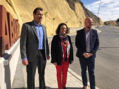 López Miras ensalza a Yolanda Muñoz y fija entre sus retos conectar el Puerto al Corredor Mediterráneo y al Aeropuerto