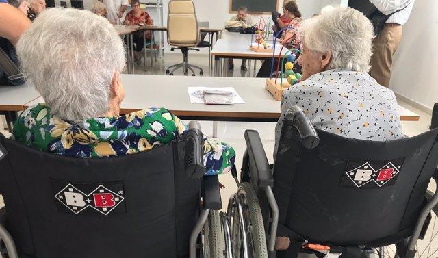 Centro de servicios sociales, personas mayores, dependencia
