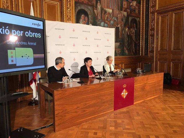 Manuel Valdés, Rosa Alarcón i Mayte Castillo informen sobre novetats en el servei de Rodalies.