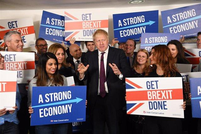 Boris Johnson en un acto de campaña para las elecciones generales