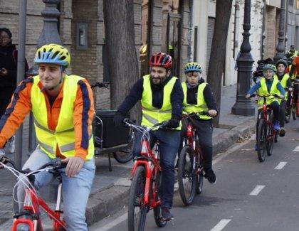 La bici llega al cole: 15.000 alumnos se acercan a la movilidad sostenible con la nueva 'Aula Ciclista'