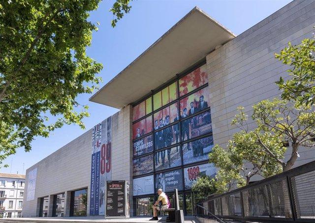 Fachada del Institut Valencià d'Art Modern