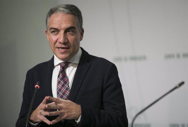 El consejero de Presidencia, Elías Bendodo, en una imagen de archivo tras la rueda de prensa del Consejo de Gobierno.