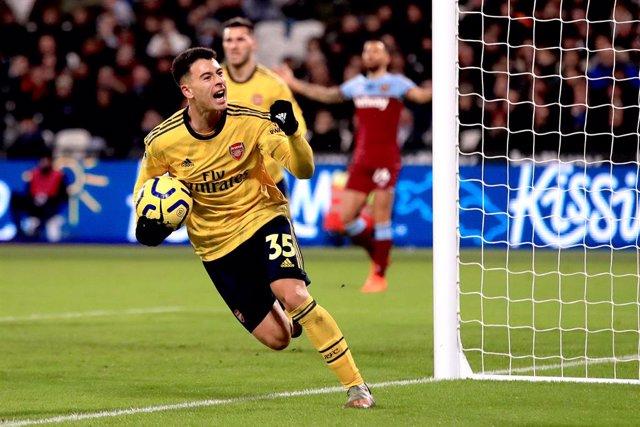 Fútbol/Premier.- (Crónica) El Arsenal despierta ante el West Ham y pone fin a su