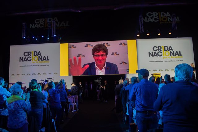 Carles Puigdemont intervé en el primer acte de Crida Nacional per la Repúiblica a Manresa (Barcelona)