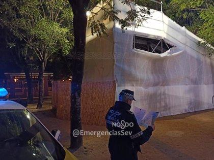 Precintado en Sevilla el tobogán de hielo del Prado tras resultar herido un niño de ocho años