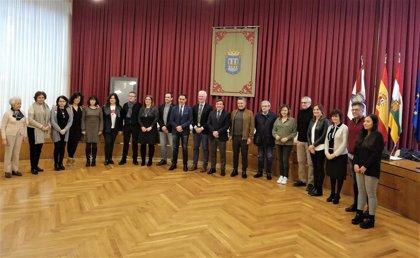 Logroño celebra el Día de los Derechos Humanos leyendo la Declaración Universal con autoridades y ONGs