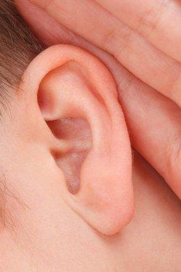 El implante coclear revoluciona la otorrinolaringología al devolver la audición a pacientes que la habían perdido
