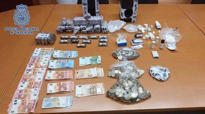 Detienen a ocho personas y desmantelan una red de tráfico de cocaína y hachís en Adeje