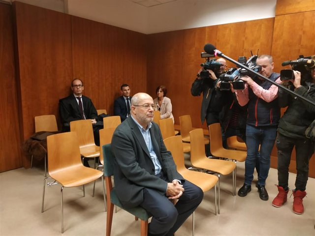 Francisco Igea, en el banquillo de los Juzgados de Valladolid para responder de un presunto delito leve de amenazas.