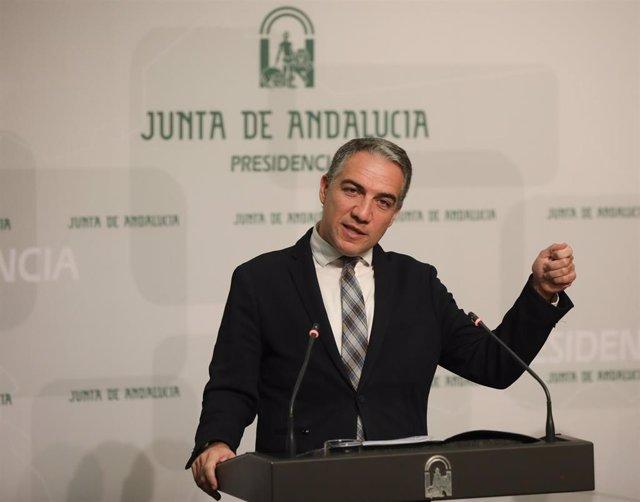 El portavoz del Gobierno andaluz, Elías Bendodo, en rueda de prensa.