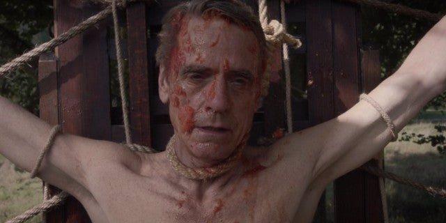 Jeremy Irons es Ozymandias en Watchmen