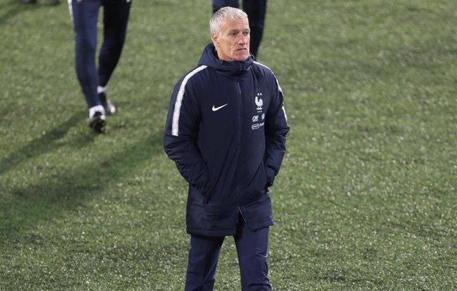 Didier Deschamps durante un entrenamiento de la selección francesa