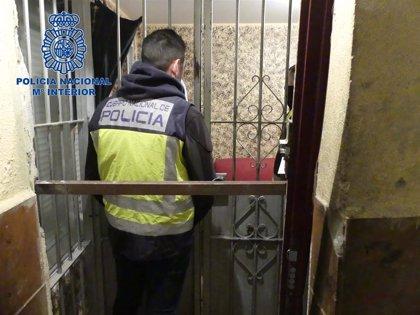 """Doce detenidos en el desmantelamiento de un punto de venta de drogas """"muy activo"""" en Mérida"""