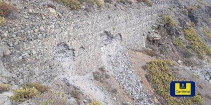Cierran el carril derecho de la entrada a Las Palmas de Gran Canaria por roturas en el muro de contención bajo la GC-1