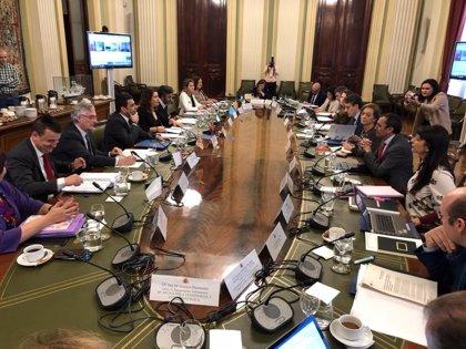 Crespo pide diplomacia contra los aranceles y que la UE revise el precio de corte al almacenamiento privado de aceite