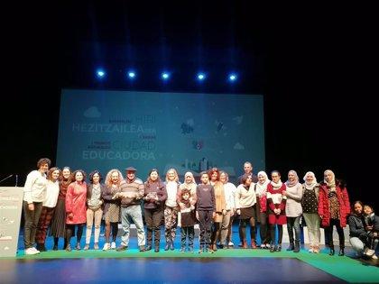 El programa Bitartean, Sabores del Mundo del Ampa de Gurutzeta y Julián Larrea, I premios Barakaldo Ciudad Educadora