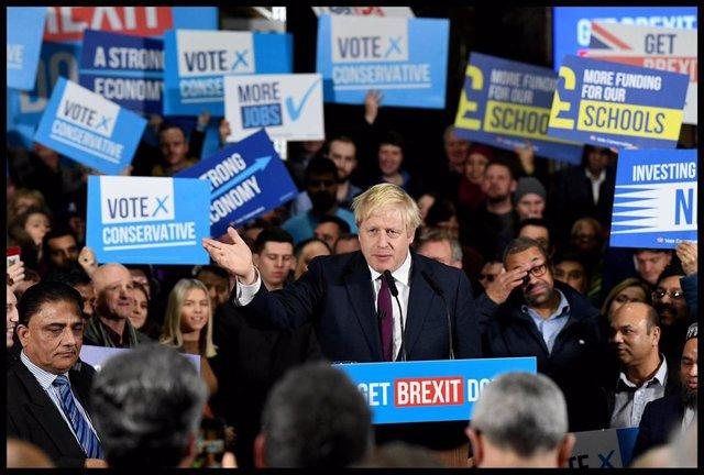 Boris Johnson en un acto de campaña