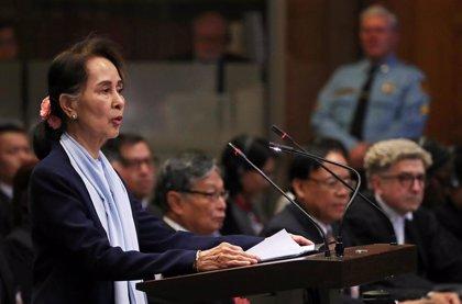 """Suu Kyi reconoce los excesos de las fuerzas birmanas pero tacha de """"engañosa"""" la acusación de genocidio"""