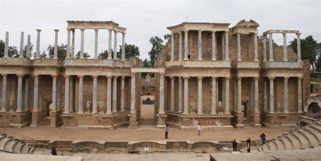 Turismo, turistas, arqueología