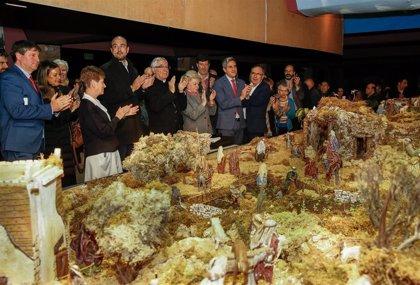Zuloaga apuesta por conservar la tradición belenística de Cantabria